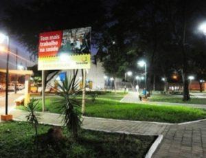 Praças de Teresina recebem novas luminárias