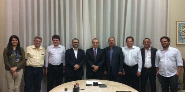 Prefeitura de Teresina e Caixa firmam acordo para PPPs em várias áreas